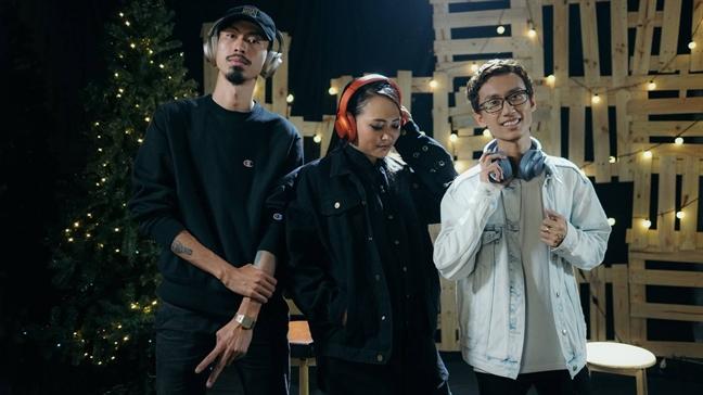 Rap Viet: Tiem can khan gia va… danh mat minh
