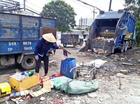 Công nhân vệ sinh - nỗi niềm buồn như... rác