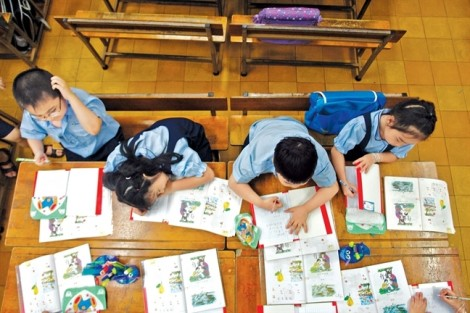 Cử tri bức xúc về tình trạng sách giáo khoa 'độc quyền', gây lãng phí