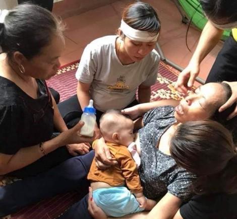 Tiếng khóc xé lòng đòi sữa của bé 8 tháng tuổi mất mẹ vì tai nạn