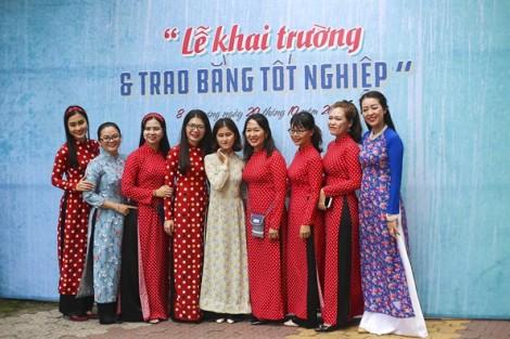 'Cô Ba Sài Gòn'... đi học