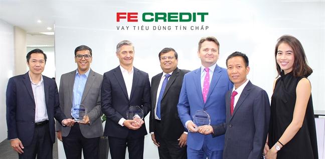 FE CREDIT nhạn 3 giải thuỏng lien tiep tại giải thuỏng chau A vè thẻ và thanh toán diẹn tủ quóc té (CEPI) nam 2018