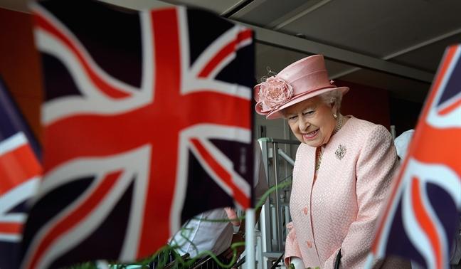 Cuoi cung Nu hoang Elizabeth II da len tieng ve Brexit theo cach rat... Nu hoang