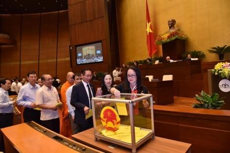 Quốc hội đã tiến hành lấy phiếu tín nhiệm 48 nhân sự bằng bỏ phiếu kín