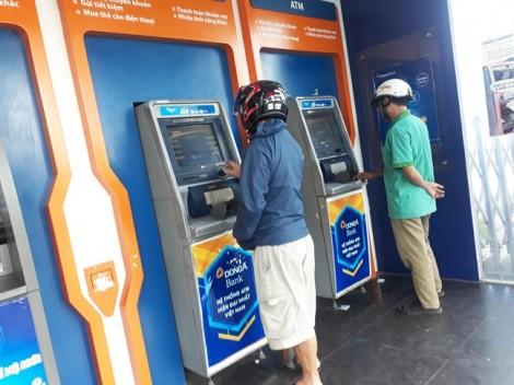 Ngân hàng đua nhau mở thẻ, tăng lãi suất tiền gửi