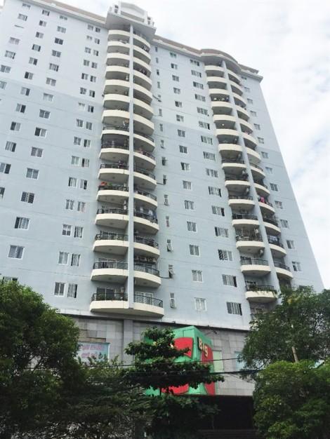 Dự án 'cắm' ngân hàng, 840 hộ dân chung cư Phú Thạnh mòn mỏi chờ chủ quyền