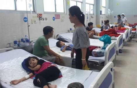 Hơn 30 người nhập viện sau khi ăn bánh mì chà bông