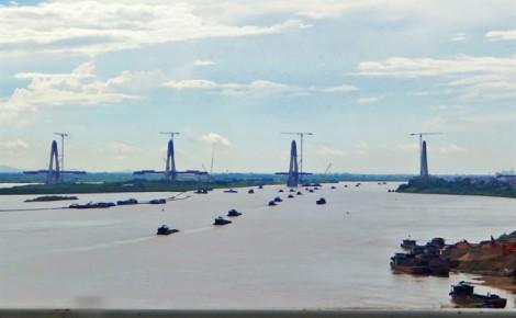 Vỡ đập, giật mình với ô nhiễm ở đầu nguồn sông Hồng