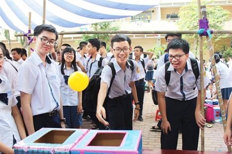 Bán trú bậc THPT: Làm sao học sinh tự lập?