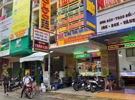 UBND TP Cần Thơ họp khẩn vụ phạt 100 USD và tịch thu tài sản