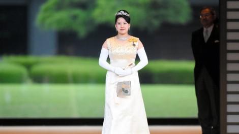 Ý nghĩa sâu sắc ẩn trong lễ phục cưới của Công chúa Nhật Bản Ayako