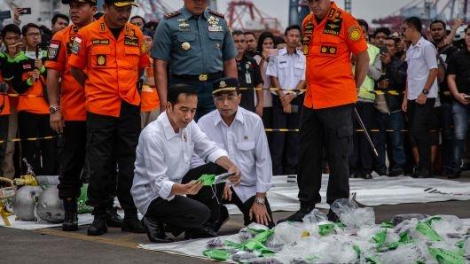 Sau 2 ngay tim kiem, Indonesia da thay phan than cua may bay Lion Air