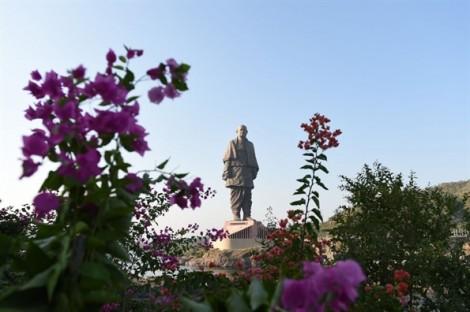 Ấn Độ khánh thành bức tượng cao gấp đôi 'Nữ thần Tự do'