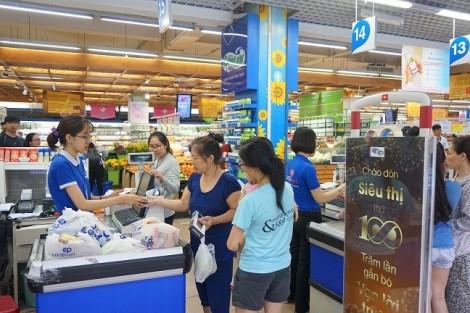 Cuối tuần siêu thị bán nhiều sản phẩm giá trị chỉ từ 5.000đ