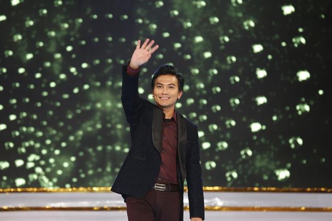 Ca si Manh Quynh: 'Hieu Phi Nhung thi chi co Manh Quynh'