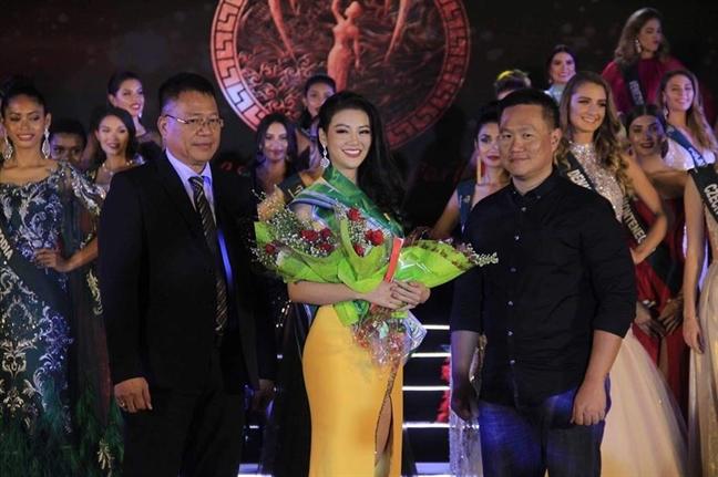 Dai dien Viet Nam dang quang 'Hoa hau Trai dat 2018'
