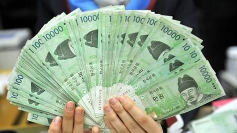 Chạy đến 5 ngân hàng mới đổi được ngoại tệ
