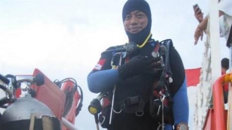 Thợ lặn tử nạn khi cứu hộ máy bay Indonesia rơi