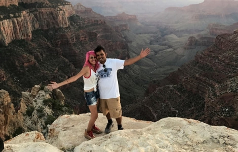 Cặp đôi chết thảm vì rơi xuống vực: 'Cuộc sống của chúng ta chỉ đáng giá một bức ảnh thôi sao?'