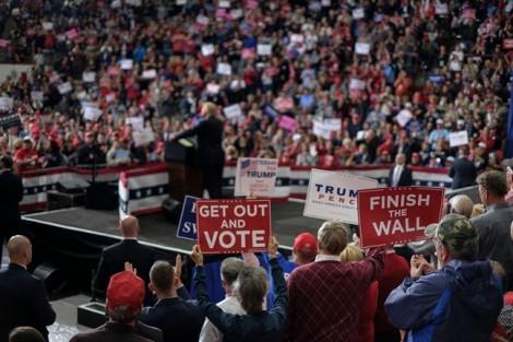 Bầu cử giữa nhiệm kỳ Mỹ: Đảng Cộng hòa nắm Thượng viện, đảng Dân chủ thắng ở Hạ viện