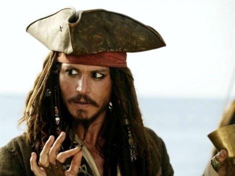 Johnny Depp lại có hành vi của người mắc bệnh tâm thần