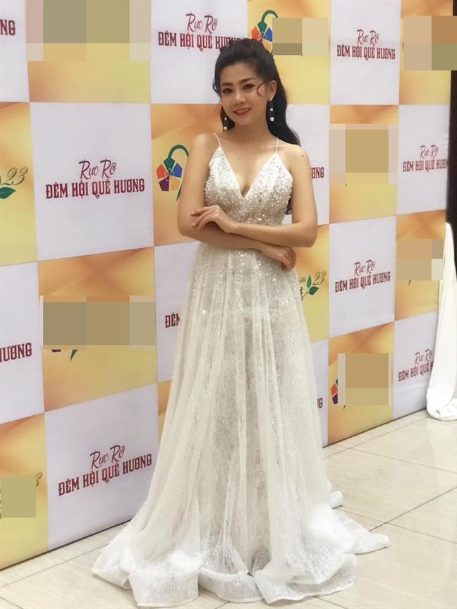 DV Mai Phuong quay lai san khau du dang dieu tri benh ung thu