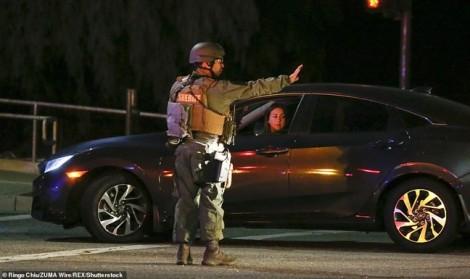 Nước Mỹ lại rúng động vì xả súng: Tay súng bắn chết 12 người trong quán bar rồi tự sát