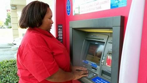 Người khiếm thị có quyền sử dụng các dịch vụ ngân hàng theo cách của họ