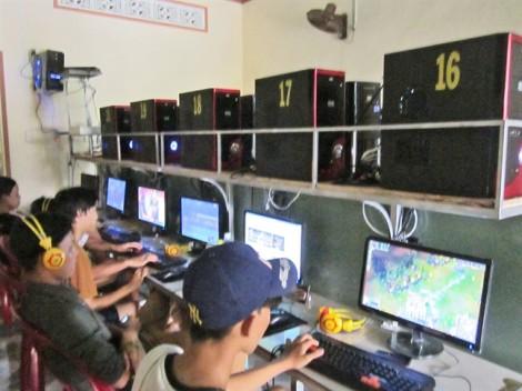 Nghiện game online: 16 tuổi mà như 5 tuổi