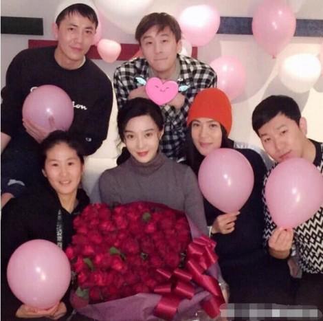 Lộ ảnh Phạm Băng Băng tươi tỉnh mừng sinh nhật sau scandal trốn thuế