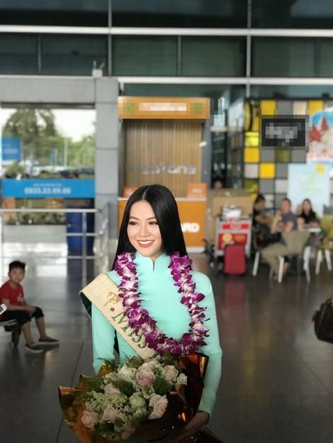 Mẹ Hoa hậu Phương Khánh: 'Ở tuổi này, tôi còn phải học ở Khánh'