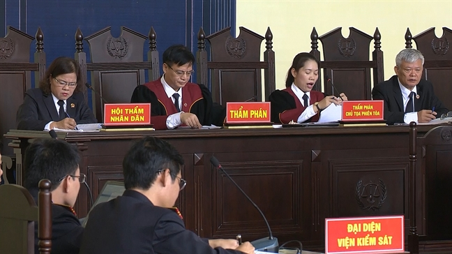 Cuu trung tuong Phan Van Vinh khai nho choi cay canh nen mua duoc dong ho Rolex 1,1 ty