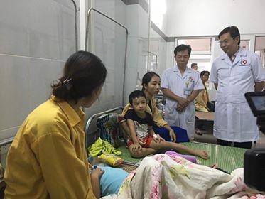 Nguyen nhan khien hon 200 tre mam non o Ha Noi ngo doc do an banh ngot