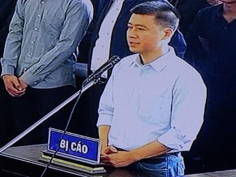 'Ông trùm'đường dây đánh bạc nghìn tỷ Phan Sào Nam khóc trước tòa