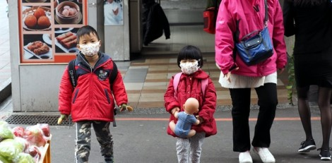 5 bí quyết phòng bệnh hô hấp cho bé trong mùa đông