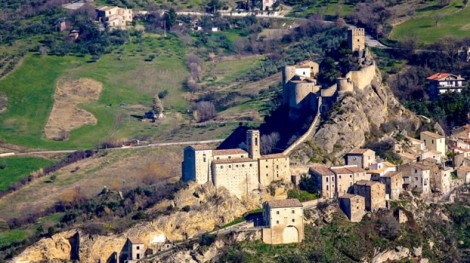 Tổ chức đám cưới tại lâu đài cổ nước Ý chỉ với 2,7 triệu đồng?