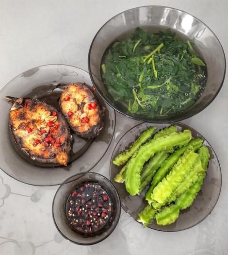 Học lỏm bí kíp vào bếp của siêu mẫu Lan Khuê