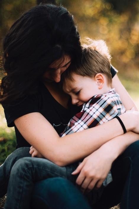 Điều cha mẹ cần làm để giúp con nhút nhát trở nên tự tin