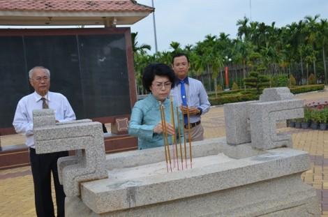 Lãnh đạo TP.HCM dâng hương, dự lễ kỷ niệm 78 năm Ngày Khởi nghĩa Nam kỳ