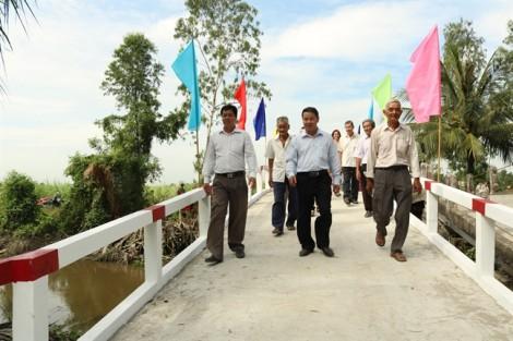 Khánh thành cây cầu nối hai xã nghèo của huyện Bình Chánh và tỉnh Long An