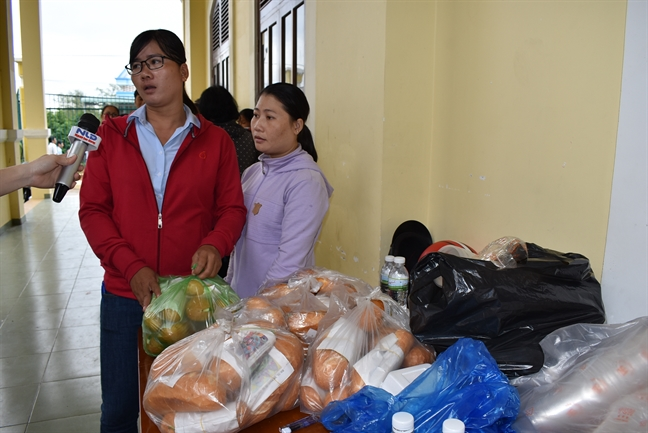 Bo truong Bo NN&PTNN kiem tra cong tac ung pho bao tai Can Gio