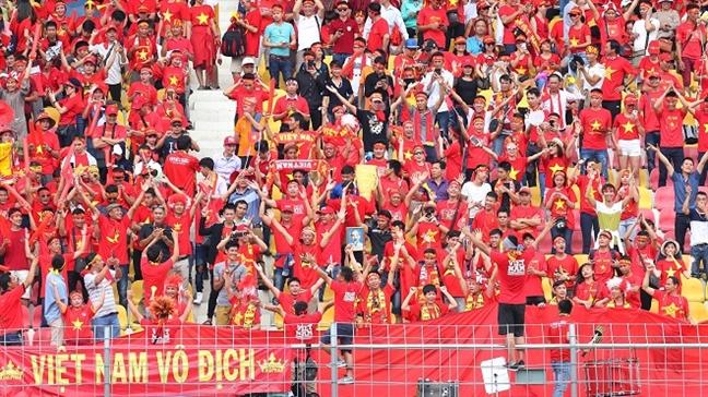 Viet Nam 3 - 0 Campuchia: Viet Nam vao ban ket voi ngoi dau bang, chua thung luoi ban nao