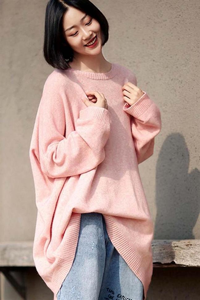 Muon van sac thai voi sweater len