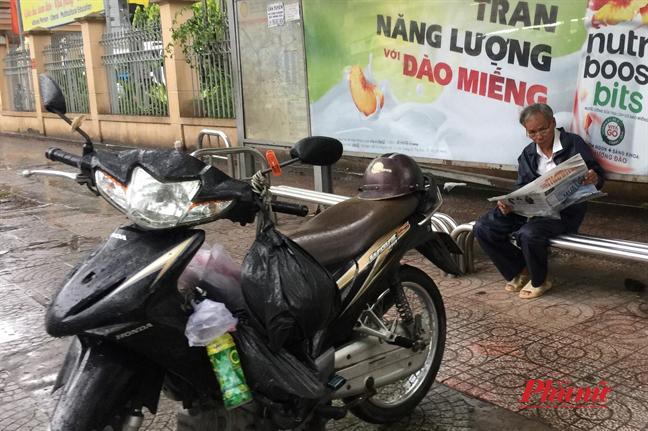 Nguoi Sai Gon muu sinh trong mua bao