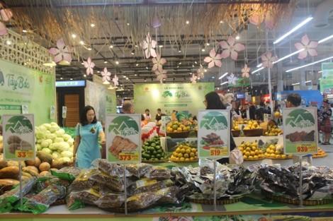 Cuối tuần mua đặc sản Tây Bắc và dâu tây Hàn Quốc giá ưu đãi
