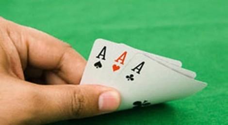 Gia đình khốn đốn vì những ông chồng bài bạc