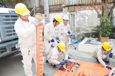 TP.HCM nỗ lực khắc phục sự cố lưới điện do ảnh hưởng của cơn bão số 9