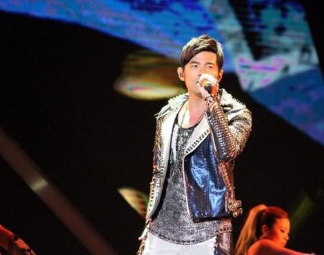 Xử lý hình sự 11 đối tượng trộm điện thoại trong show diễn của Châu Kiệt Luân