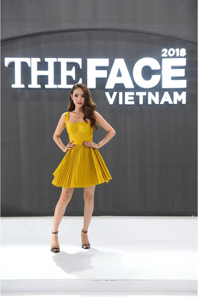 So ke phong cach thoi trang cua 3 HLV 'The Face 2018'