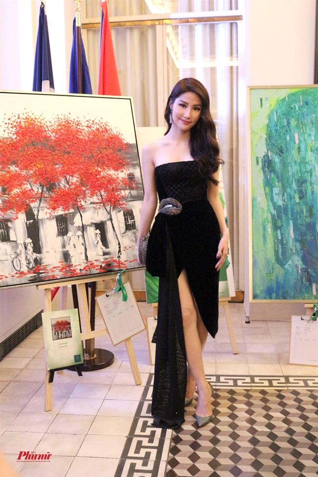 Ngo Thanh Van thu ve 420.000 USD sau 'Vet seo cuoc doi 8'